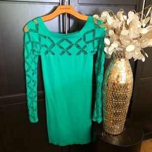 Bebe Bodycon green dress with cutouts at shoulders